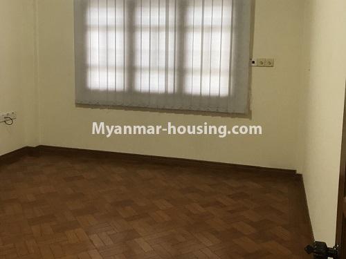 မြန်မာအိမ်ခြံမြေ - ငှားရန် property - No.4497 - ဗဟန်းတွင် လူနေထိုင်ရန် သို့မဟုတ် ရုံးခန်းဖွင့်ရန် နှစ်ထပ်အိမ်တစ်လုံး ငှားရန်ရှိသည်။bedroom 3