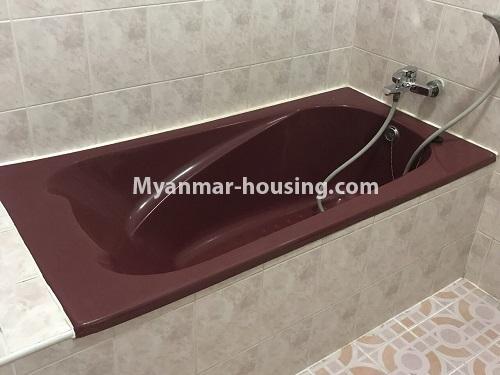 မြန်မာအိမ်ခြံမြေ - ငှားရန် property - No.4497 - ဗဟန်းတွင် လူနေထိုင်ရန် သို့မဟုတ် ရုံးခန်းဖွင့်ရန် နှစ်ထပ်အိမ်တစ်လုံး ငှားရန်ရှိသည်။bathroom 2