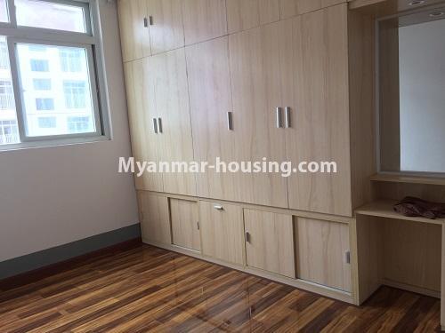 မြန်မာအိမ်ခြံမြေ - ငှားရန် property - No.4498 - ဗိုလ်တစ်ထောင် Time Square တွင် အိပ်ခန်းနှစ်ခန်းနှင့် ကွန်ဒိုခန်းငှားရန် ရှိသည်။master bedroom