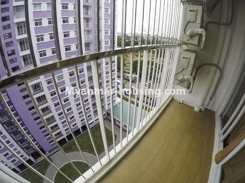 မြန်မာအိမ်ခြံမြေ - ငှားရန် property - No.4499 - ဗိုလ်တစ်ထောင် Time Square တွင် အိပ်ခန်းနှစ်ခန်းနှင့် ကွန်ဒိုခန်းငှားရန် ရှိသည်။outside view from living room balcony