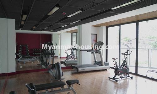 မြန်မာအိမ်ခြံမြေ - ငှားရန် property - No.4513 - တောင်ဥက္ကလာတွင် အဆင့်မြင့်ပြင်ဆင်ထားသော ကွန်ဒိုတိုက်ခန်း ငှားရန်ရှိသည်။gym view