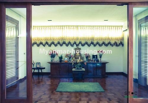 မြန်မာအိမ်ခြံမြေ - ငှားရန် property - No.4517 - မရမ်းကုန်း ၈မိုင်တွင် ပရိဘောဂ ပစ္စည်းအပြည့်အစုံပါ ရေကူးကန်ပါ ဓာတ်လှေခါးပါ သုံးထပ်ခွဲအိမ်တစ်လုံး ငှားရန်ရှိသည်။shrine view