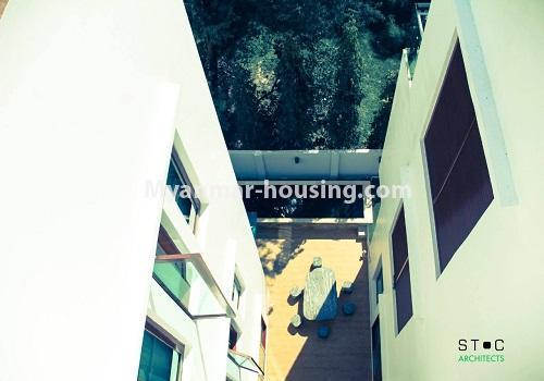 မြန်မာအိမ်ခြံမြေ - ငှားရန် property - No.4517 - မရမ်းကုန်း ၈မိုင်တွင် ပရိဘောဂ ပစ္စည်းအပြည့်အစုံပါ ရေကူးကန်ပါ ဓာတ်လှေခါးပါ သုံးထပ်ခွဲအိမ်တစ်လုံး ငှားရန်ရှိသည်။building view from