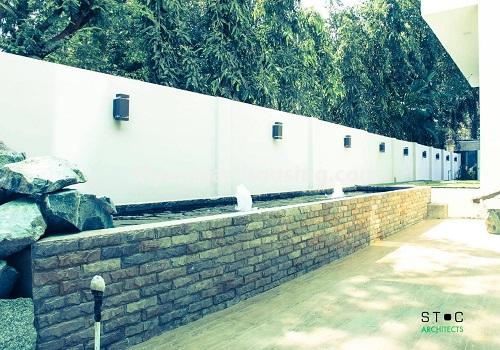 မြန်မာအိမ်ခြံမြေ - ငှားရန် property - No.4517 - မရမ်းကုန်း ၈မိုင်တွင် ပရိဘောဂ ပစ္စည်းအပြည့်အစုံပါ ရေကူးကန်ပါ ဓာတ်လှေခါးပါ သုံးထပ်ခွဲအိမ်တစ်လုံး ငှားရန်ရှိသည်။rooftop view