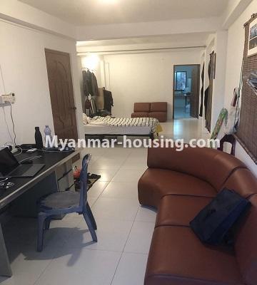 မြန်မာအိမ်ခြံမြေ - ငှားရန် property - No.4520 - စမ်းချောင်းတွင် ပြင်ဆင်ပြီး ပရိဘောဂပါသောတိုက်ခန်း ငှားရန်ရှိသည်။the whole room view
