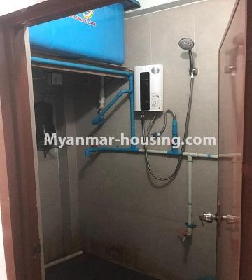 မြန်မာအိမ်ခြံမြေ - ငှားရန် property - No.4520 - စမ်းချောင်းတွင် ပြင်ဆင်ပြီး ပရိဘောဂပါသောတိုက်ခန်း ငှားရန်ရှိသည်။bathroom