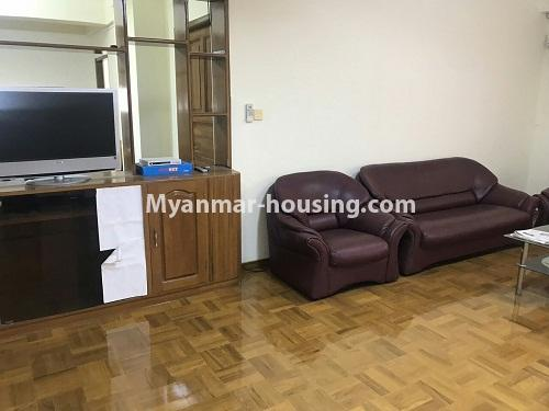 မြန်မာအိမ်ခြံမြေ - ငှားရန် property - No.4524 - မြို့ထဲ မြန်မာ့ဂုဏ်ရည်ကွန်ဒိုတွင်  အခန်ငှားရန်ရှိသည်။another view of living room