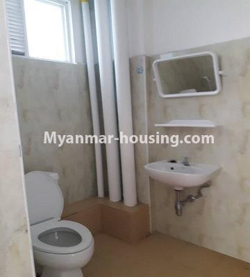 မြန်မာအိမ်ခြံမြေ - ငှားရန် property - No.4527 - ဗိုလ်တစ်ထောင် Time Square တွင် အိပ်ခန်းနှစ်ခန်းနှင့် ကွန်ဒိုခန်း ငှားရန် ရှိသည်။bathroom view