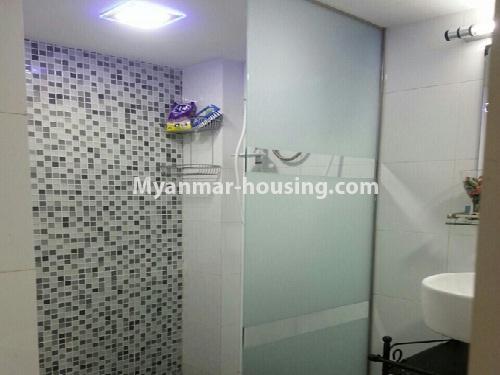 မြန်မာအိမ်ခြံမြေ - ငှားရန် property - No.4541 - သာကေတတွင် ပြင်ဆင်ပြီး ပရိဘောဂအပြည့်အစုံနှင် စတူဒီယိုအခန်း ငှားရန်ရှိသည်။shower area