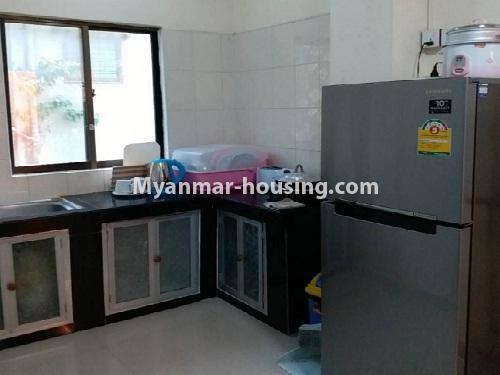မြန်မာအိမ်ခြံမြေ - ငှားရန် property - No.4541 - သာကေတတွင် ပြင်ဆင်ပြီး ပရိဘောဂအပြည့်အစုံနှင် စတူဒီယိုအခန်း ငှားရန်ရှိသည်။fridge view