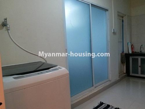 မြန်မာအိမ်ခြံမြေ - ငှားရန် property - No.4541 - သာကေတတွင် ပြင်ဆင်ပြီး ပရိဘောဂအပြည့်အစုံနှင် စတူဒီယိုအခန်း ငှားရန်ရှိသည်။washing machine view