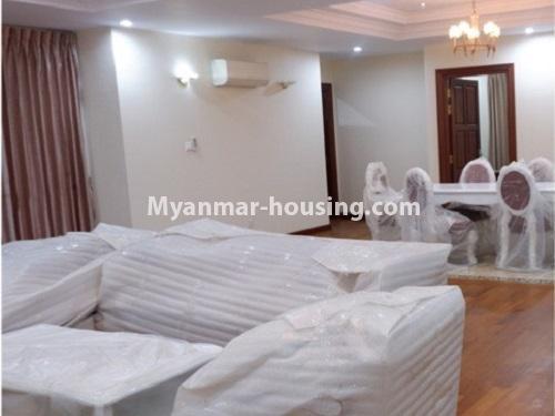 မြန်မာအိမ်ခြံမြေ - ငှားရန် property - No.4542 - မရမ်းကုန်းမြို့နယ် မင်းဓမ္မကွန်ဒိုတွင် ကွန်ဒိုခန်းများ ငှားရန်ရှိသည်။living room view