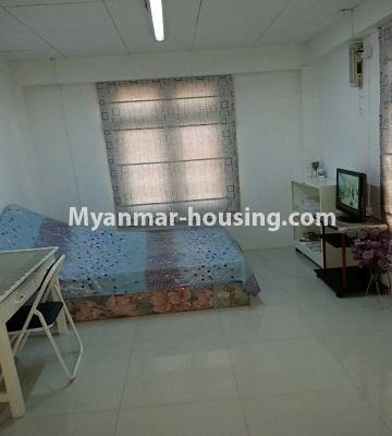 မြန်မာအိမ်ခြံမြေ - ငှားရန် property - No.4552 - ဒေါပုံတွင် ပရိဘောဂ အချို့ပါသော သုံးထပ်တိုက်အိမ် ငှားရန်ရှိသည်။master bedroom view