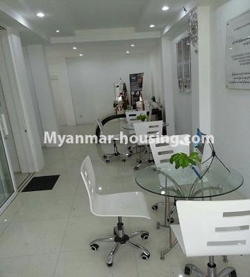 မြန်မာအိမ်ခြံမြေ - ငှားရန် property - No.4552 - ဒေါပုံတွင် ပရိဘောဂ အချို့ပါသော သုံးထပ်တိုက်အိမ် ငှားရန်ရှိသည်။first floor view