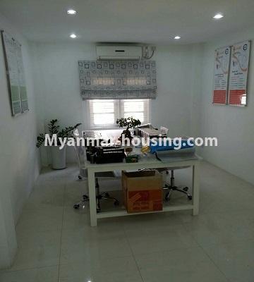 မြန်မာအိမ်ခြံမြေ - ငှားရန် property - No.4552 - ဒေါပုံတွင် ပရိဘောဂ အချို့ပါသော သုံးထပ်တိုက်အိမ် ငှားရန်ရှိသည်။first floor office area