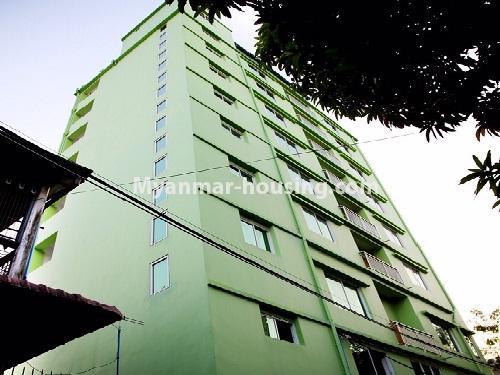 မြန်မာအိမ်ခြံမြေ - ငှားရန် property - No.4566 - ကြည့်မြင်တိုင်တွင် အသစ်ဆောက်လုပ်ထားသော ရှစ်ထပ်တိုက်ကွန်ဒိုအသေးစား ငှားရန်ရှိသည်။building view
