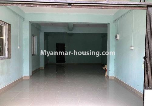 မြန်မာအိမ်ခြံမြေ - ငှားရန် property - No.4570 - မြောက်ဥက္ကလာ ဆေးတက္ကသိုလ်(၂) အနီးတွင် မြေညီ တိုက်ခန်း တစ်ခန်းငှားရန်ရှိသည်။gound floor hall view