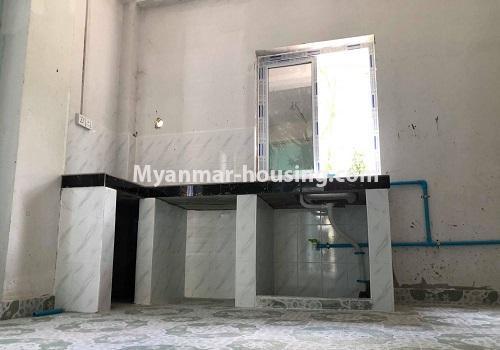 မြန်မာအိမ်ခြံမြေ - ငှားရန် property - No.4570 - မြောက်ဥက္ကလာ ဆေးတက္ကသိုလ်(၂) အနီးတွင် မြေညီ တိုက်ခန်း တစ်ခန်းငှားရန်ရှိသည်။kitchen view