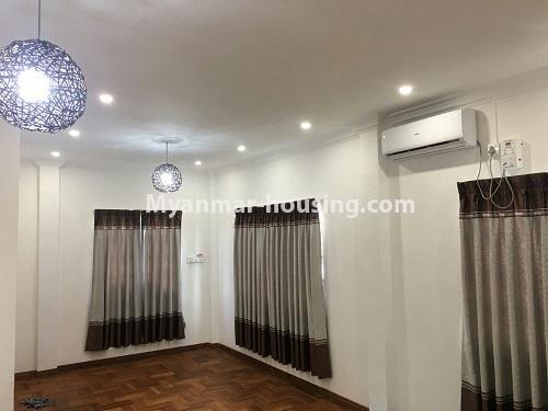 မြန်မာအိမ်ခြံမြေ - ငှားရန် property - No.4573 - မြောက်ဒဂုံ စစ်တောင်းလမ်းမပေါ်တွင် လုံးချင်း သုံးထပ်ခွဲ ငှားရန်ရှိသည်။another hall view of third level