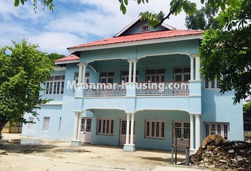 မြန်မာအိမ်ခြံမြေ - ငှားရန် property - No.4589 - မန္တလေးတွင် ကုမ္ပဏီကြီး သို့မဟုတ် ကိုယ်ပိုင်ကျောင်းဖွင့်ရန် တစ်ခြံထဲတွင် အိမ်ငါးလုံးငှားရန်ရှိသည်။ another two storey house view