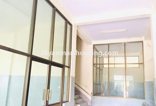 မြန်မာအိမ်ခြံမြေ - ငှားရန် property - No.4589 - မန္တလေးတွင် ကုမ္ပဏီကြီး သို့မဟုတ် ကိုယ်ပိုင်ကျောင်းဖွင့်ရန် တစ်ခြံထဲတွင် အိမ်ငါးလုံးငှားရန်ရှိသည်။ Another interior view of the hosue