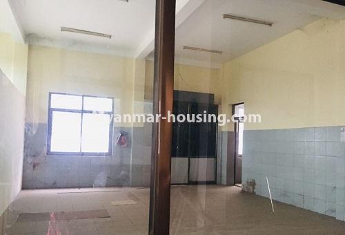 မြန်မာအိမ်ခြံမြေ - ငှားရန် property - No.4589 - မန္တလေးတွင် ကုမ္ပဏီကြီး သို့မဟုတ် ကိုယ်ပိုင်ကျောင်းဖွင့်ရန် တစ်ခြံထဲတွင် အိမ်ငါးလုံးငှားရန်ရှိသည်။ another interior view of the house