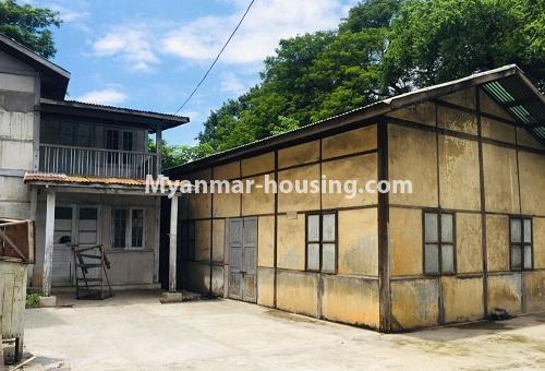 မြန်မာအိမ်ခြံမြေ - ငှားရန် property - No.4589 - မန္တလေးတွင် ကုမ္ပဏီကြီး သို့မဟုတ် ကိုယ်ပိုင်ကျောင်းဖွင့်ရန် တစ်ခြံထဲတွင် အိမ်ငါးလုံးငှားရန်ရှိသည်။ one storey house view