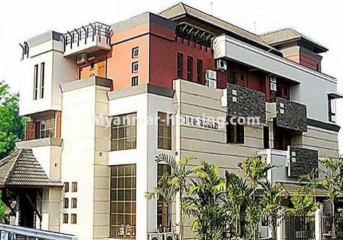 မြန်မာအိမ်ခြံမြေ - ငှားရန် property - No.4596 - ဗဟန်းတွင် အိပ်ခန်း ၂၅ခန်းပါသော လုံးချင်းအိမ် ငှားးရန်ရှိသည်။front side view of the house