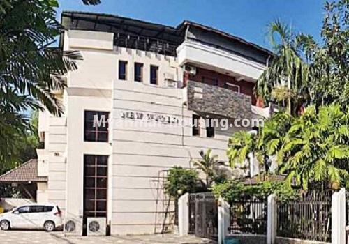 မြန်မာအိမ်ခြံမြေ - ငှားရန် property - No.4596 - ဗဟန်းတွင် အိပ်ခန်း ၂၅ခန်းပါသော လုံးချင်းအိမ် ငှားးရန်ရှိသည်။right side view of the house