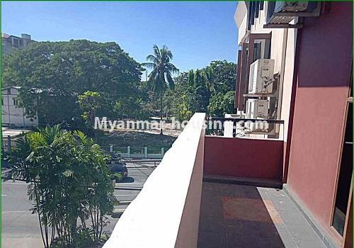 မြန်မာအိမ်ခြံမြေ - ငှားရန် property - No.4596 - ဗဟန်းတွင် အိပ်ခန်း ၂၅ခန်းပါသော လုံးချင်းအိမ် ငှားးရန်ရှိသည်။balcony view