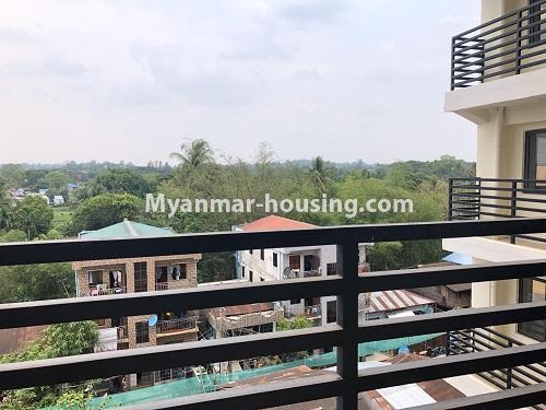 မြန်မာအိမ်ခြံမြေ - ငှားရန် property - No.4621 - အင်းစိန်တွင် အိပ်ခန်းနှစ်ခန်းပါသော ရိုင်ရယ်သီရီကွန်ဒိုခန်း ငှားရန်ရှိသည်။balcony view