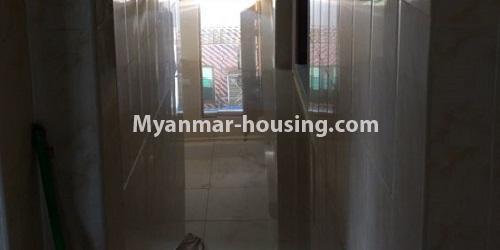 မြန်မာအိမ်ခြံမြေ - ငှားရန် property - No.4632 - ကြည့်မြင်တိုင်တွင် ပထမထပ်တိုက်ခန်း ငှားရန်ရှိသည်။corridor view