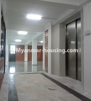 မြန်မာအိမ်ခြံမြေ - ငှားရန် property - No.4651 - မြောက်ဒဂုံတွင် အိပ်ခန်း ဆယ့်ရှစ်ခန်းပါသော ခြောက်ထပ်တိုက် ငှားရန်ရှိသည်။hallway and lift view
