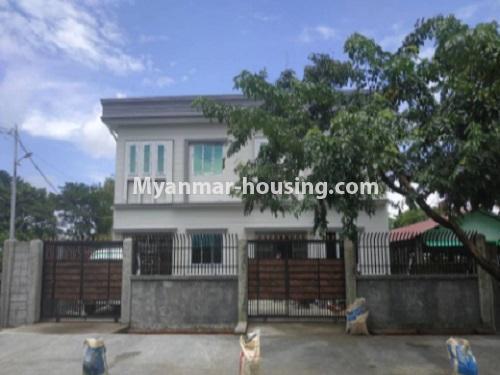 မြန်မာအိမ်ခြံမြေ - ငှားရန် property - No.4659 - အရှေ့ဒဂုံမြို့နယ် ကုန်ပဒေသာမီးပွိုင့်အနီးတွင် မြေညီတစ်ခန်းငှားရန်ရှိသည်။