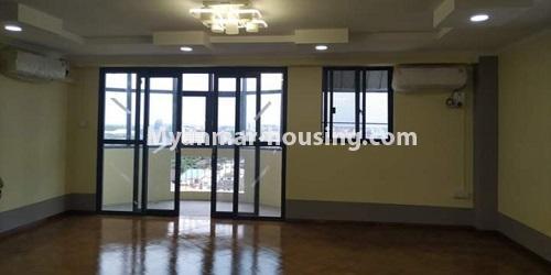 မြန်မာအိမ်ခြံမြေ - ငှားရန် property - No.4684 - ကြည့်မြင်တိုင်တွင် ရွေှဂုံသူကွန်ဒိုခန်း ငှားရန်ရှိသည်။another view of living room