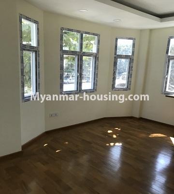 မြန်မာအိမ်ခြံမြေ - ငှားရန် property - No.4701 - အင်းစိန် ဘုရင့်နောင်လမ်းမပေါ်တွင် နှစ်ထပ်အိမ်တစ်လုံး ငှားရန်ရှိသည်။bedroom view