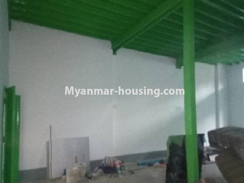 မြန်မာအိမ်ခြံမြေ - ငှားရန် property - No.4728 - ကြည့်မြင့်တိုင် ညဈေးအနီးတွင် မြေညီ အခန်းကျယ်တစ်ခန်းငှားရန်ရှိသည်။ground floor interior view