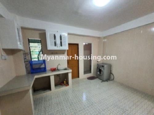 မြန်မာအိမ်ခြံမြေ - ငှားရန် property - No.4744 - စမ်းချောင်းတွင် အခန်းကောင်း Mini Condo  အခန်းငှားရန်ရှိသည်။kitchen view