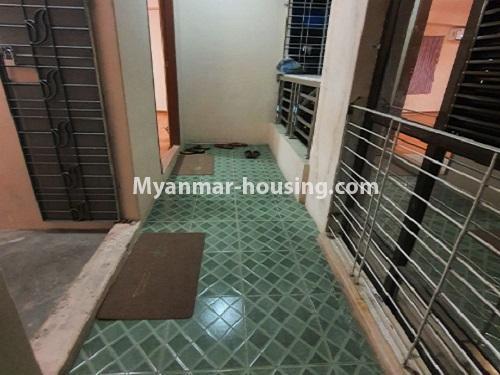 မြန်မာအိမ်ခြံမြေ - ငှားရန် property - No.4744 - စမ်းချောင်းတွင် အခန်းကောင်း Mini Condo  အခန်းငှားရန်ရှိသည်။balcony view