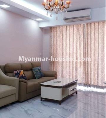 မြန်မာအိမ်ခြံမြေ - ငှားရန် property - No.4759 - အဆင့်မြင့်ပြင်ဆင်ထားသည့် အိပ်ခန်း၃ခန်းပါသည့်  အခန်းကောင်း ငှားရန်ရှိသည်။living room view