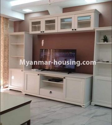 မြန်မာအိမ်ခြံမြေ - ငှားရန် property - No.4759 - အဆင့်မြင့်ပြင်ဆင်ထားသည့် အိပ်ခန်း၃ခန်းပါသည့်  အခန်းကောင်း ငှားရန်ရှိသည်။anothr view of living room