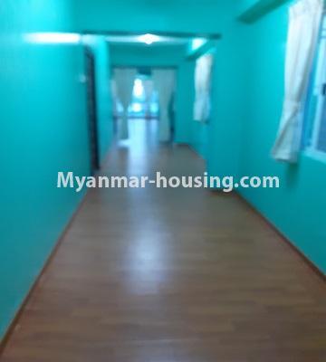မြန်မာအိမ်ခြံမြေ - ငှားရန် property - No.4762 - ဗဟန်းတွင် အိပ်ခန်းနှစ်ခန်းပါသော ကွန်ဒိုအသေးစားအခန်း ငှားရန်ရှိသည်။corridor view