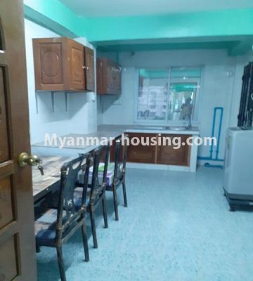 မြန်မာအိမ်ခြံမြေ - ငှားရန် property - No.4762 - ဗဟန်းတွင် အိပ်ခန်းနှစ်ခန်းပါသော ကွန်ဒိုအသေးစားအခန်း ငှားရန်ရှိသည်။kitchen view