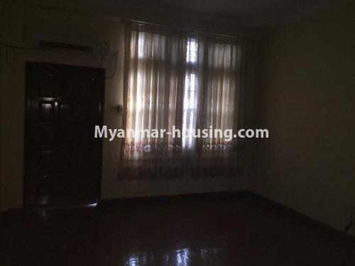မြန်မာအိမ်ခြံမြေ - ငှားရန် property - No.4766 - ဗဟန်းတွင် လူနေထိုင်ရန် သို့မဟုတ် ရုံးခန်းဖွင့်ရန် နှစ်ထပ်အိမ်တစ်လုံး ငှားရန်ရှိသည်။single bedroom view