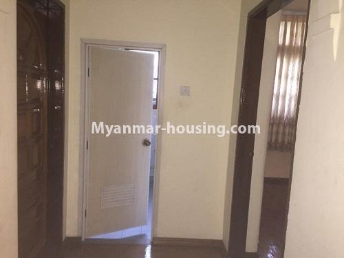 မြန်မာအိမ်ခြံမြေ - ငှားရန် property - No.4766 - ဗဟန်းတွင် လူနေထိုင်ရန် သို့မဟုတ် ရုံးခန်းဖွင့်ရန် နှစ်ထပ်အိမ်တစ်လုံး ငှားရန်ရှိသည်။another master bedroom veiw