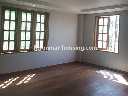 မြန်မာအိမ်ခြံမြေ - ငှားရန် property - No.4771 - အီတလီသံရုံးအနီးတွင် လုံးချင်း RC4ထပ် တိုက်သစ် တစ်လုံး ငှားရန်ရှိသည်။another master bedroom view