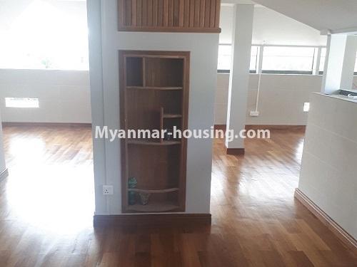 မြန်မာအိမ်ခြံမြေ - ငှားရန် property - No.4771 - အီတလီသံရုံးအနီးတွင် လုံးချင်း RC4ထပ် တိုက်သစ် တစ်လုံး ငှားရန်ရှိသည်။top floor view