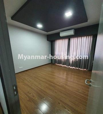 မြန်မာအိမ်ခြံမြေ - ငှားရန် property - No.4774 - Star City Condo တွင် အိပ်ခန်း သုံးခန်း ပါသည့် အခန်းကောင်း ငှားရန်ရှိသည်။another single bedroom view