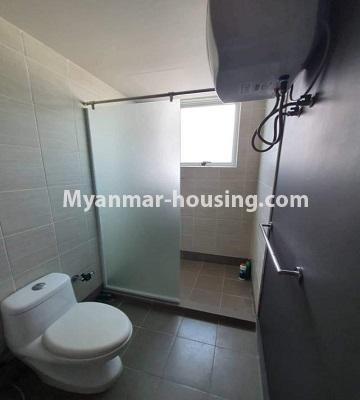 မြန်မာအိမ်ခြံမြေ - ငှားရန် property - No.4774 - Star City Condo တွင် အိပ်ခန်း သုံးခန်း ပါသည့် အခန်းကောင်း ငှားရန်ရှိသည်။bathroom view