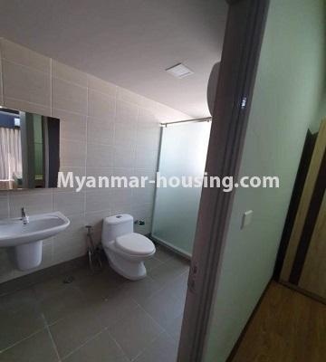 မြန်မာအိမ်ခြံမြေ - ငှားရန် property - No.4774 - Star City Condo တွင် အိပ်ခန်း သုံးခန်း ပါသည့် အခန်းကောင်း ငှားရန်ရှိသည်။another bathroom view